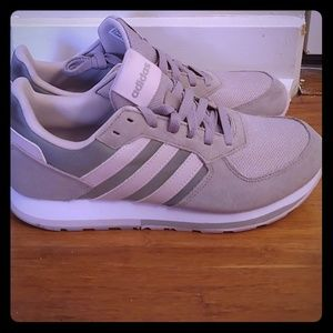 Sneakers for women size 8 Adidas